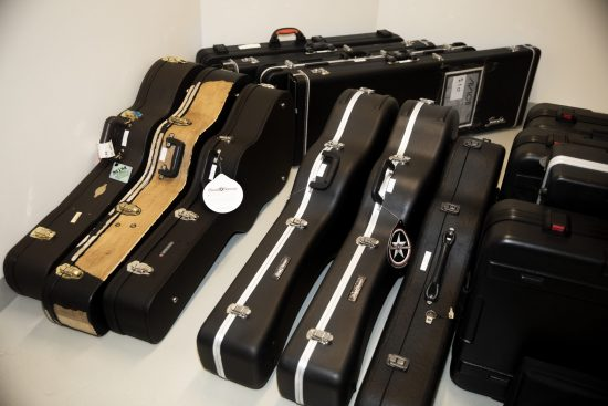 Tim-avicii-bergling-guitars