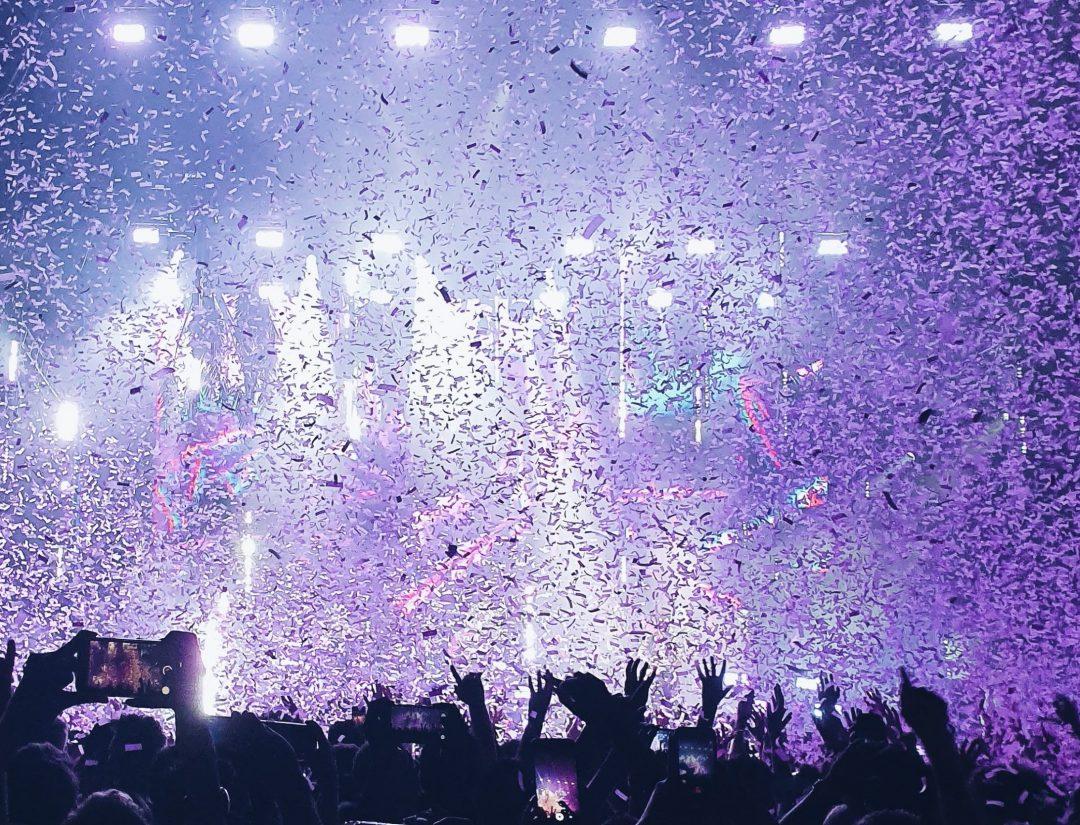 lila-konfetti-konsert